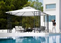 Pavillon-Toscana-von-Caravita-in-weiss-mit-Winddach-auf-Terrasse-am-Pool-02